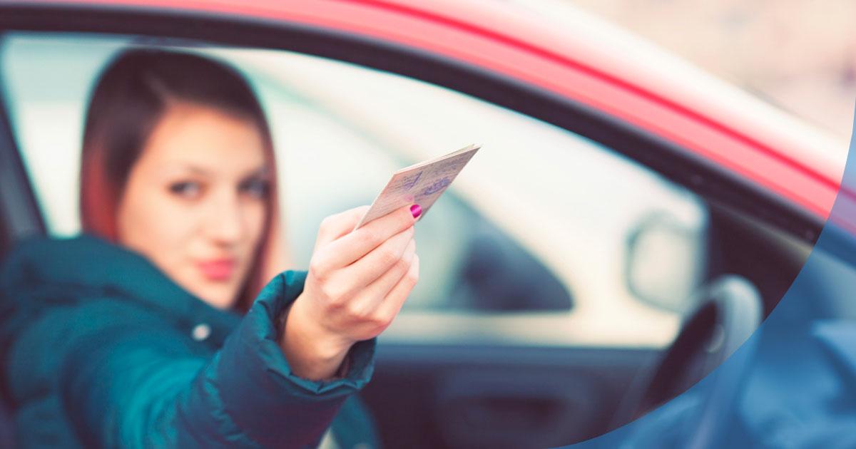 ¿Conoces-la-nuevas-normas-para-renovar-el-carnet-de-conducir-en-el-2021_-1.jpg